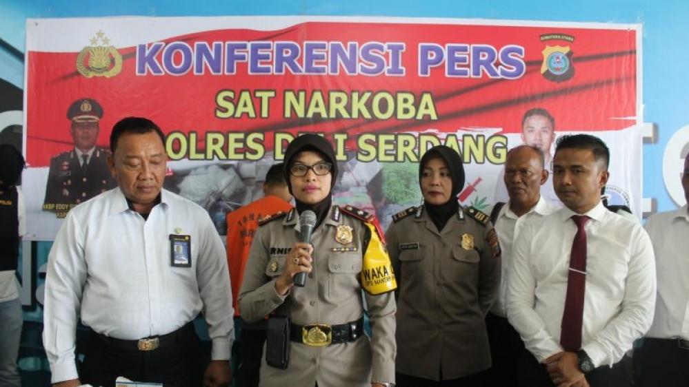 Polres Deli Serdang Konferensi Pers Penangkapan Calon Penumpang Pesawat Membawa Narkotika Jenis Shabu
