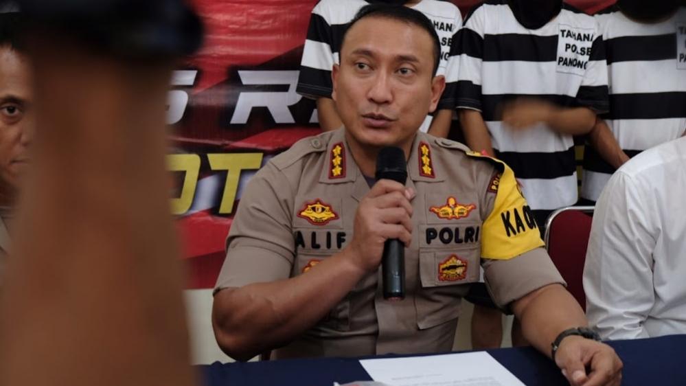 Tipu warga Hingga Ratusan Juta, Polisi Gadungan Berpangkat AKBP Diringkus