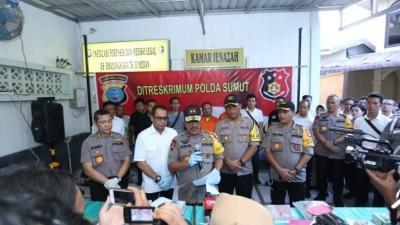 Kapolda Sumut Irjen Pol. Drs. Agus Andrianto SH, Konferensi Pers Kasus Pembunuhan Satu Keluarga Di Deli Serdang