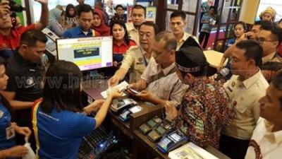 Samsat Jatim Pelopori Pembayaran Pajak Bermotor Online