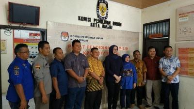 Komisioner KPU RI Evi Novida Ginting Kunjungi KPU Binjai dan Langkat untuk Lakukan Supervisi