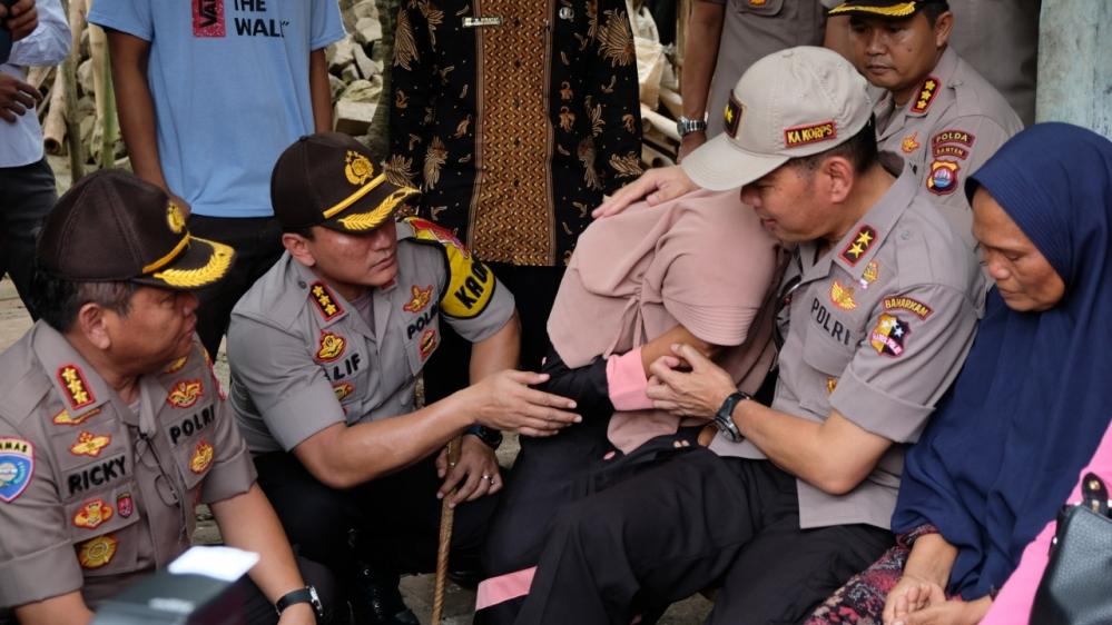 Kakor Binmas Polri Kunjungi Keluarga Anggota KPPS yang Meninggal, Putri Almarhum Ditawari Jadi Polwan