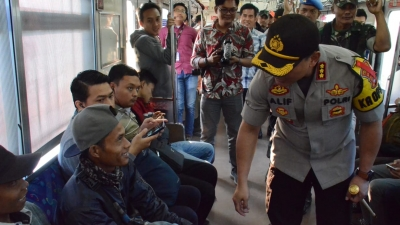 Dampak Ricuh di Jakarta, Polisi Periksa Penumpang di Stasiun Tigaraksa