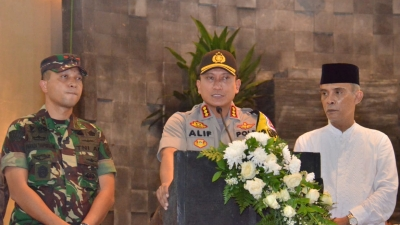 Kapolresta Tangerang Ajak Ribuan Umat Katolik Doakan Sidang MK Aman