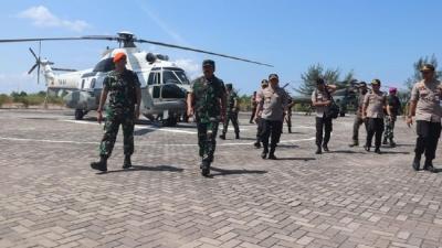 Bareng Kapolri, Panglima TNI Tinjau Prajurit Garda Terdepan RI di Batam