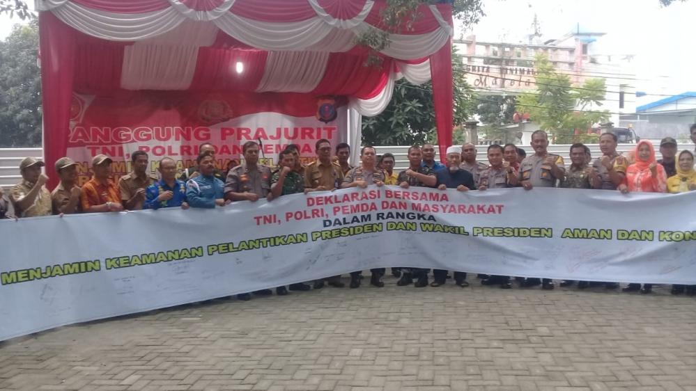 Kapolres Pelabuhan Belawan Bersama Yon Marhalan Lakukan Patroli Dan Deklarasi Cipta Kondusif