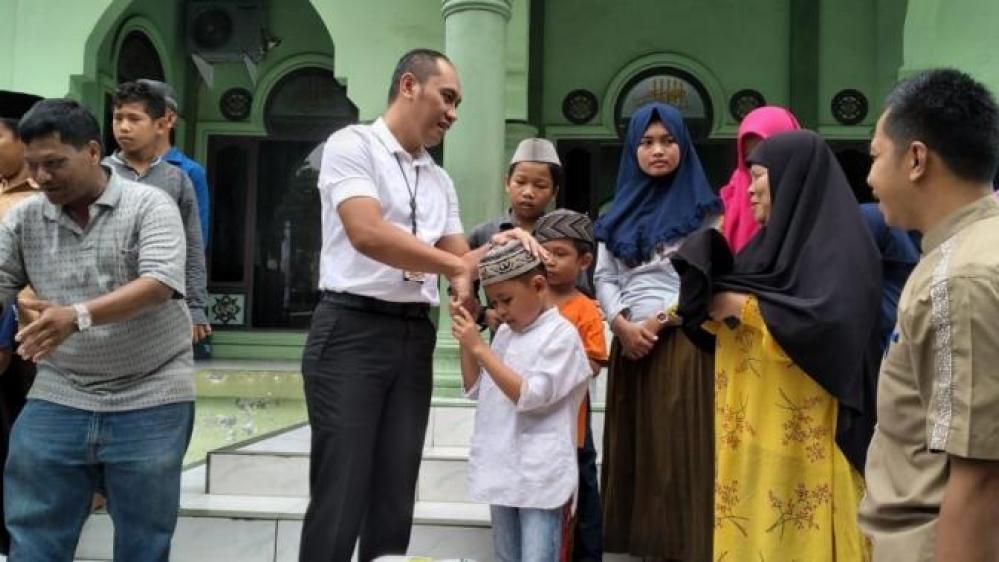 Kompol Eko Hartanto, Kasat Reskrim Polrestabes Medan Beri Taliasih ke Anak Yatim Piatu