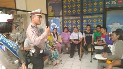 Puluhan Penyandang Disabilitas Bikin SIM di Satlantas Polresta Tangerang