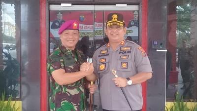 Mayor Marinir Kunjungan Kerja Ke Mapolres Pelabuhan Belawan