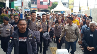 Ribuan Warga Padati Acara Jumpa Fans Pemain Film Sang Prawira Di Kota Kisaran�