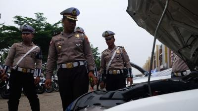 Jelang Operasi Lilin, Satlantas Polresta Tangerang Periksa Kelengkapan Kendaraan dan Personel
