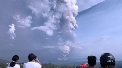 Gunung Taal di Filipina Meletus, Ribuan Penduduk Dievakuasi