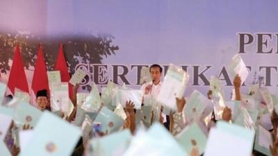 Jokowi Heran Ada Warga Mau Pinjam Rp 20 Juta ke Bank untuk Usaha Es Degan