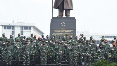 Panglima TNI Marsekal Hadi Tjahjanto Pimpin Kenaikan 84 Perwira Tinggi TNI AD