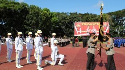 Irjen Pol Merdy Serahkan Jabatan Kapolda Sultra Kepada Irjen Pol Yan Sultra Indrajaya
