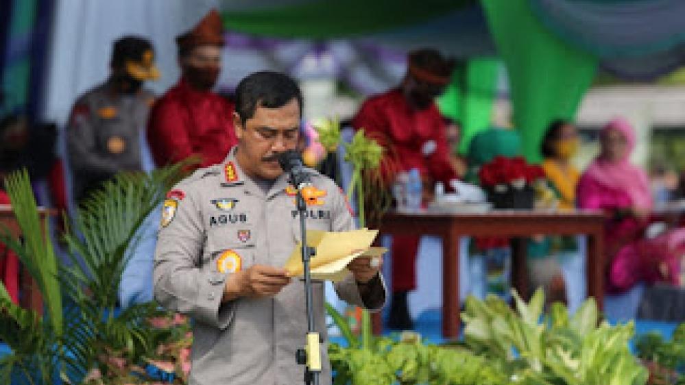 Kapolri Diwakili Kabaharkam Polri Menyerahkan Hadiah Lomba KTM di Wilayah Provinsi Kepulauan Bangka Belitung