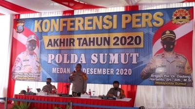Konferensi Pers Akhir Ujung Tahun 2020, Kapolda Sampaikan Keberhasilan Polda Sumut  Berbagai Kasus