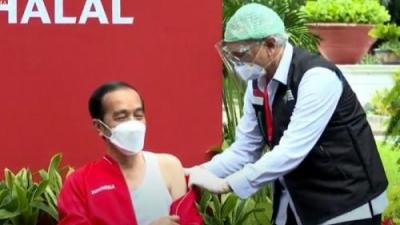 Dr.Abdul Muthalib Akui Lebih Tenang Suntik Vaksin Kedua Kepada Presiden RI Jokowi