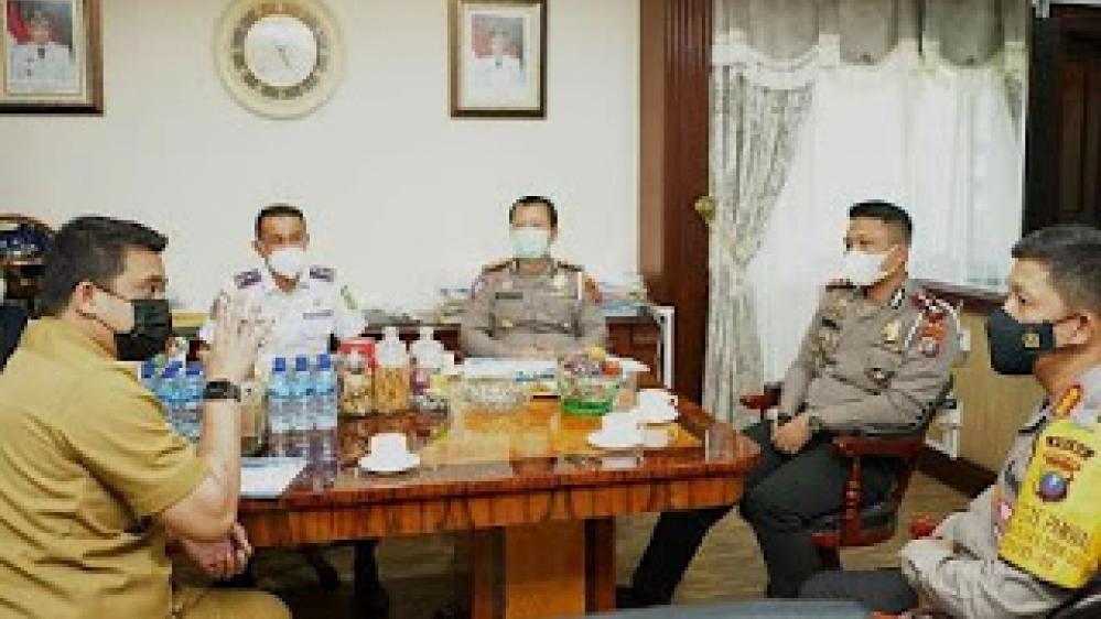 Pertemuan Dirlantas Polda Sumut Didampingi Staf, Temui Walikota Medan Bahas CCTV Pemantau Jalan