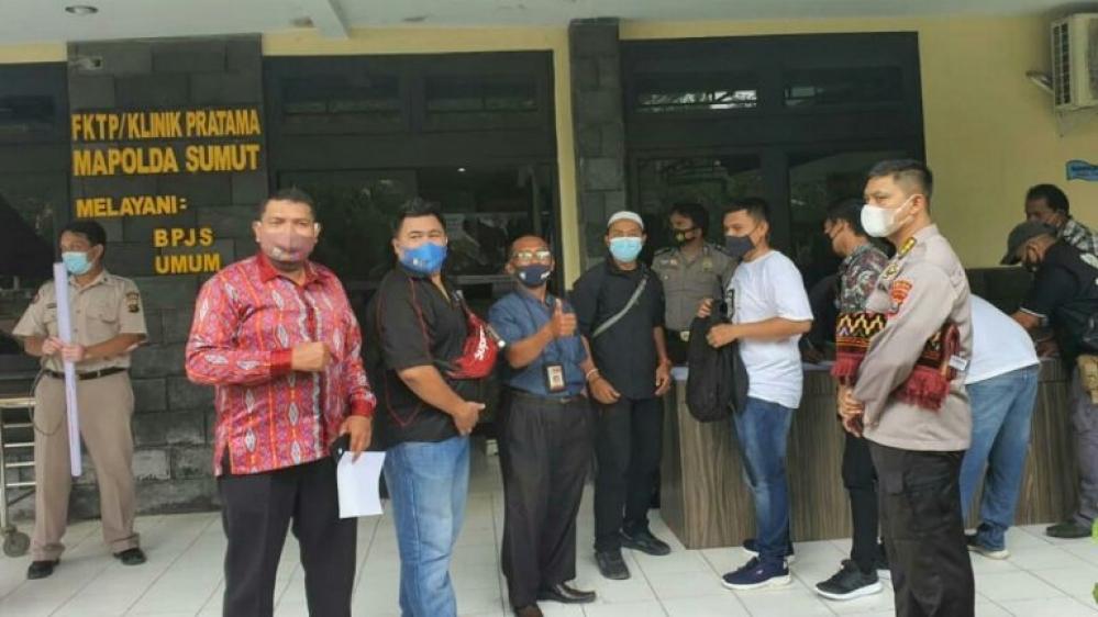 Wartawan Polda Sumut Suntikan Vaksin Untuk Sehat dan Terbebas Dari Penularan Wabah Covid 19