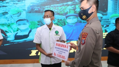 Polda Sumut Salurkan 4.000 Paket Sembako Pada 49 Elemen Serikat Buruh di Saat Peringatan May Day