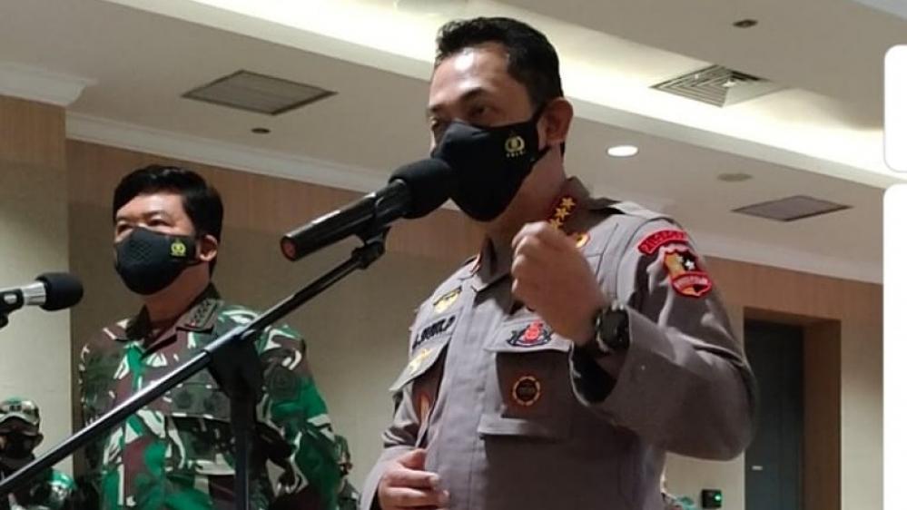 Panglima TNI dan Kapolri Ninjau Serta Cek Penerapan Aplikasi Silacak dan InaRisk di Marauke