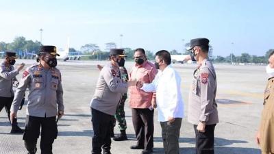 Kunker Wakapolri ke- Medan,  Disambut Kapolda Sumut, Irjen Pol Panca Putra