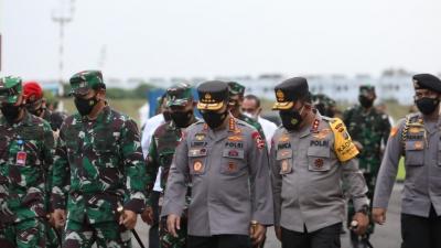 Kapolda Sumut Sambut Kedatangan Kapolri dan Panglima Kunker ke Medan