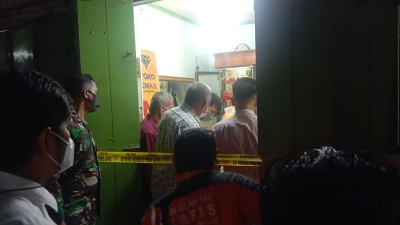 Aksi Perampok Kedua Toko Emas di Pasar Simpang Limun Bawa Kabur Emas 7 Kg. Sedangkan Petugas Jukir Coba Halangi di TembaK