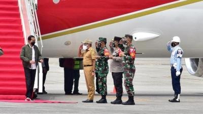 Kunjungan Kerja Presiden Jokowi di Sumut Dalam Rangka Meninjau Vaksinasi Covid 19, Para Pelajar